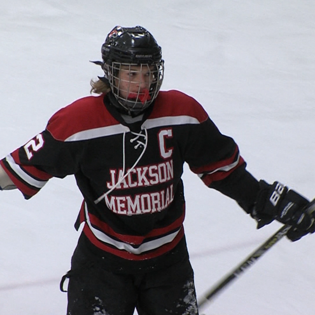 Jaguars win fifth straight on the ice
