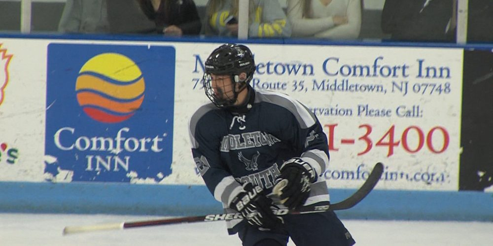 Ralph's third period pair gives Middletown South rivalry win in opener