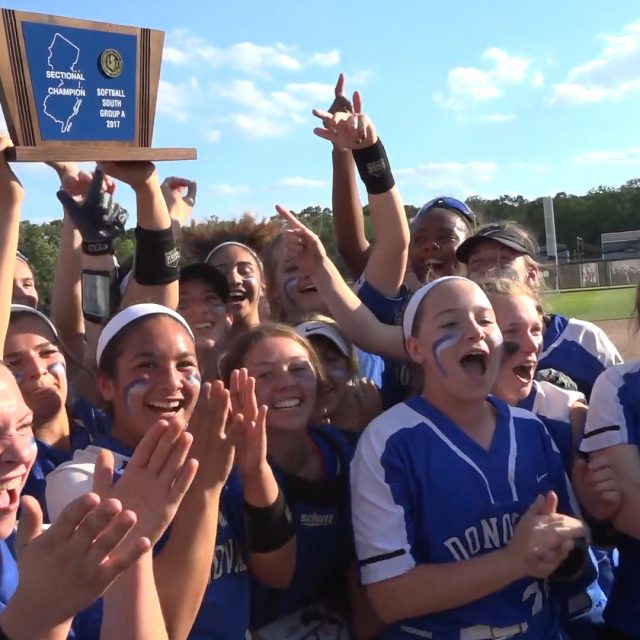 Griffins return to softball state finals