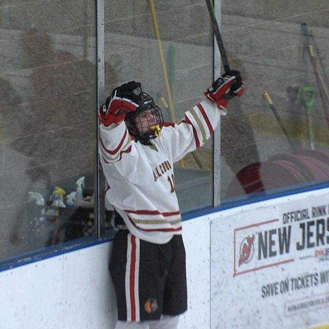 Watch JSZ 2.25 Playoff Hockey Highlights
