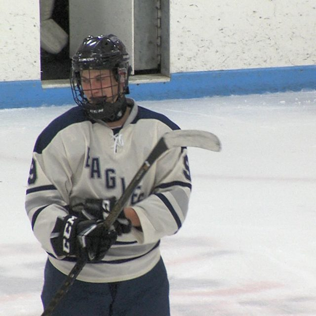 Middletown South scores four third period goals to come from behind against Wall