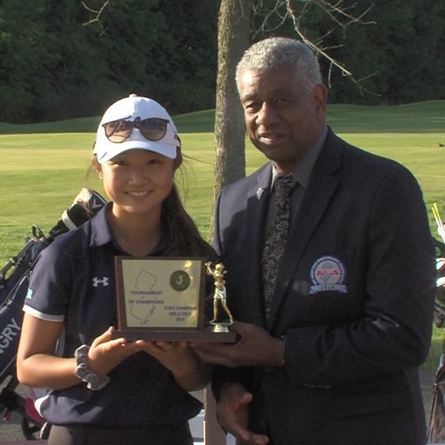 Montgomery wins girls golf T of C, IHA's Kim wins individual state title