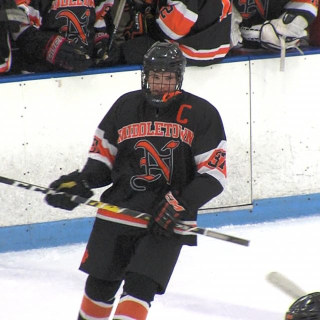 Middletown North icers hand Marlboro first loss to reach Dowd Cup Final