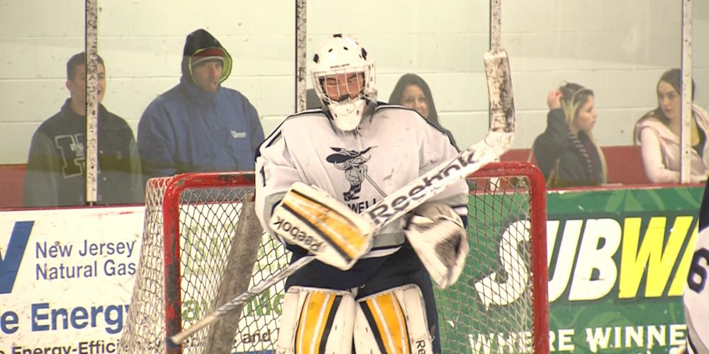 Howell sweeps Patriots on the ice