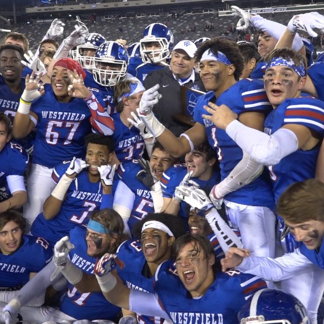 Westfield's defense shines to give Blue Devils football three-peat