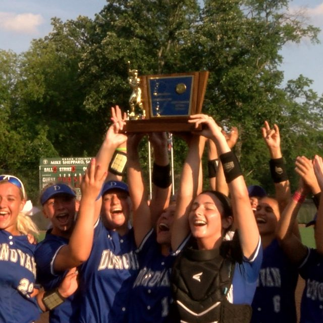 Donovan Catholic scores 17 runs in 3rd to dominate in T of C final